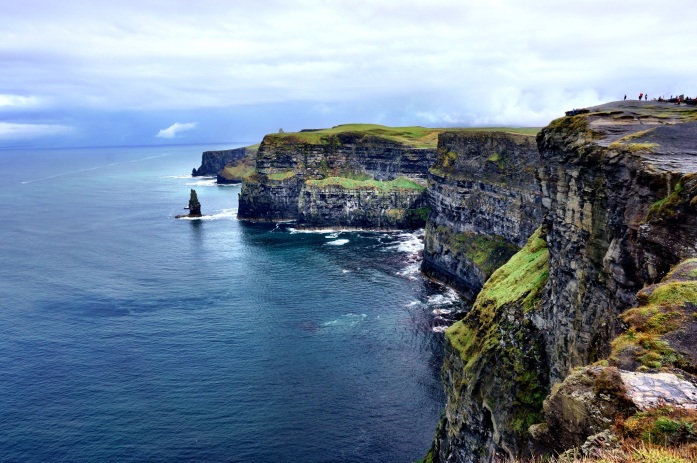 how to go to cliffs of moher from dublin